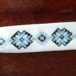 Краватка, оздоблена вишивкою